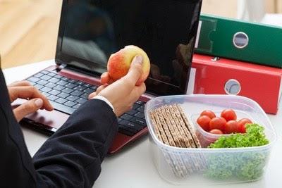 полезные перекусы - это очень важно на работе, чтобы сохранить продуктивность!