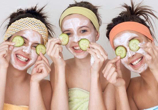 Делайте дома натуральные маски для лица.