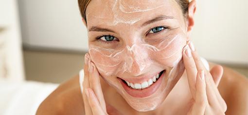 очищение кожи перед сном - очень важно!